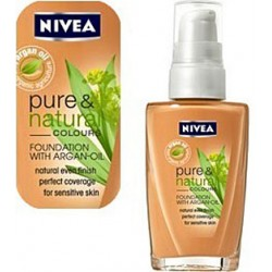 FOND DE TEINT FLUIDE PURE AND NATURAL COLOURS NIVEA